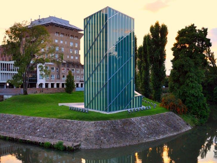 Memoria e Luce, designed by Daniel Libeskind. Photo via flickr.