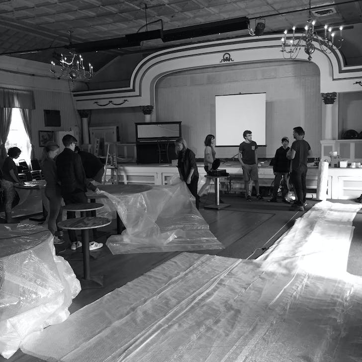 'In advance of the Tropical Mining Station, FOAM organized a workshop led by Jesse Seegers of the Organization for Spatial Practice (OSP) on inflatable architecture. The workshop was held in Callicoon, NY, an upstate rural town undergoing a cultural and technological awakening.' Credit: FOAM