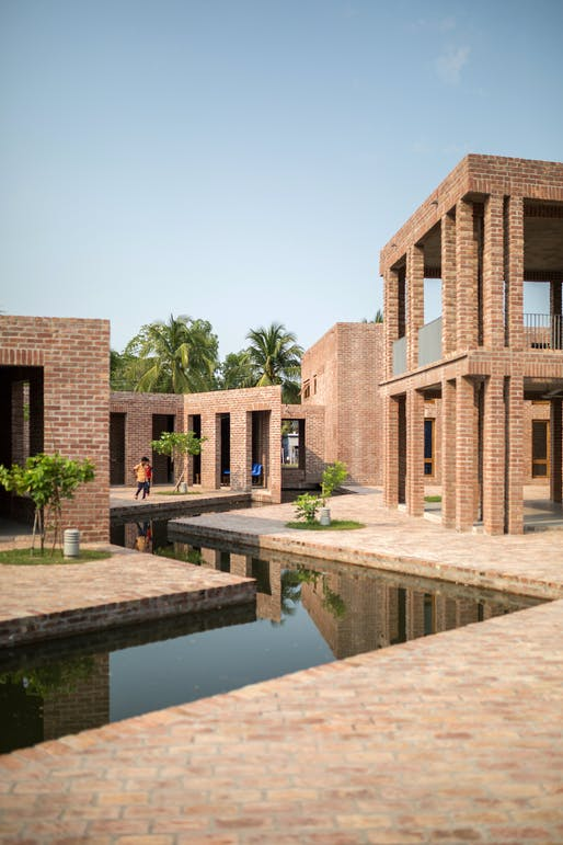 Friendship Hospital, Satkhira in Shyamnagar, Bangladesh by Kashef Chowdhury/URBANA. Photo: Asif Salman Courtesy of URBANA.