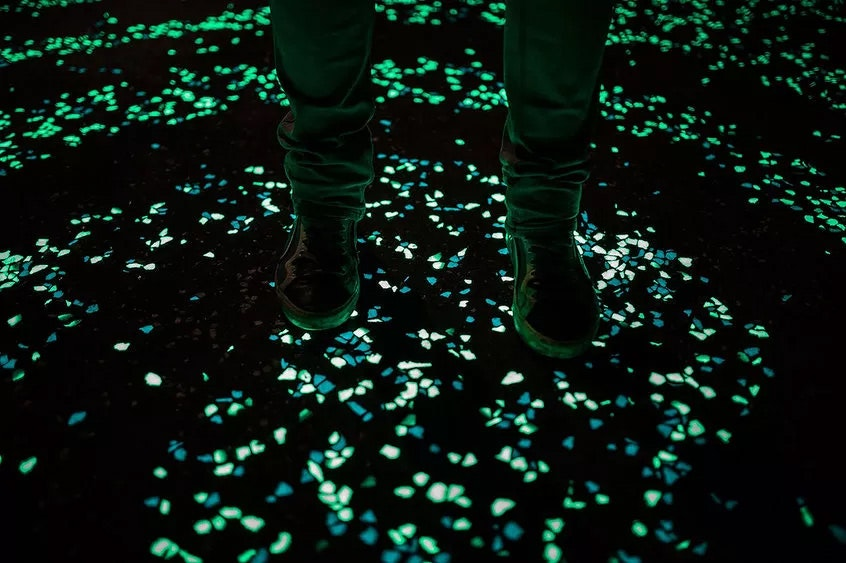 New glow-in-the-dark cement could illuminate roads & structures