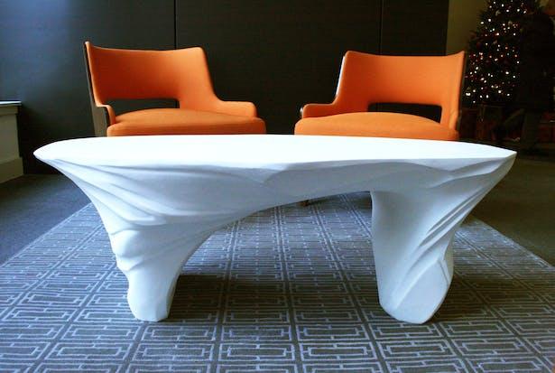 White Drift resin table