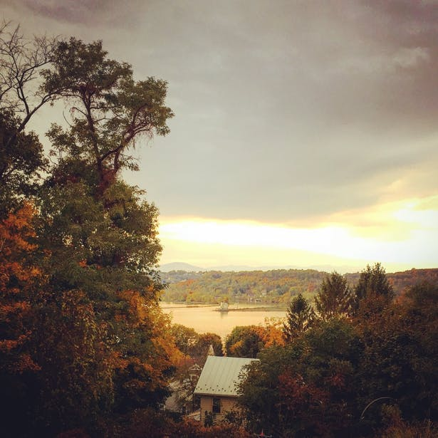 VIEW FROM FRONT-RONDOUT LIGHTHOUSE ON THE HUDSON