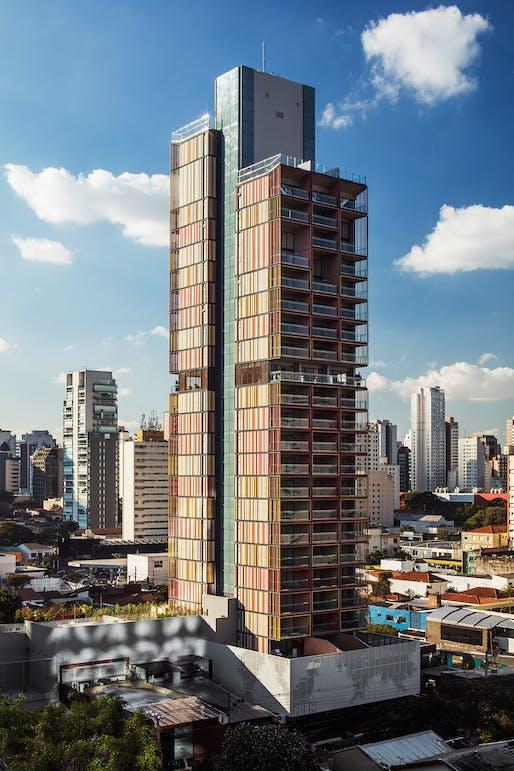 Best Tall Building Under 100 Meters Category Winner: Forma Itaim, São Paulo. Photo: Kelson Kon.