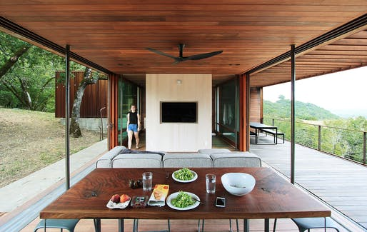 Sonoma Residence in Santa Rosa, California   Alchemy Architects, LLC. Photo © Geoffrey C. Warner.