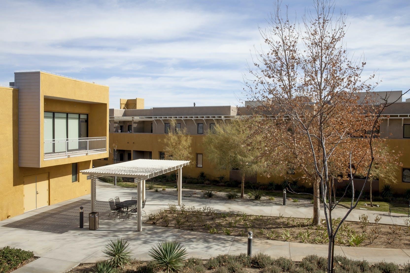 Exelent Hilton Garden Inn Palmdale Adornment - Brown Nature Garden ...