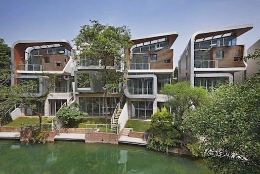 Peace Creek Villas by John Friedman Alice Kimm Architects.