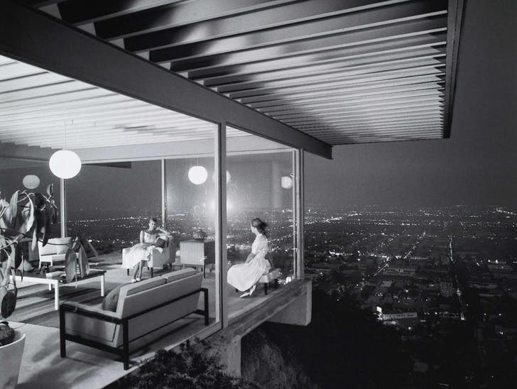 Iconic Hollywood houses have a precedent: the Case Study House No. 22. Image: Julius Shulman