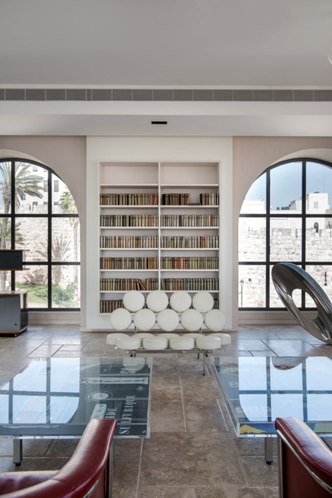 loating bookcase via Eliot Lazarus