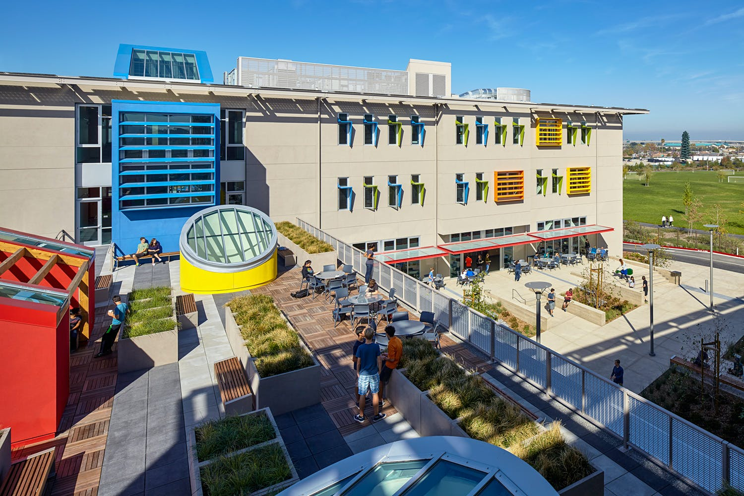 Winners of the aia cae 2015 education facility design awards for Bay motors san mateo