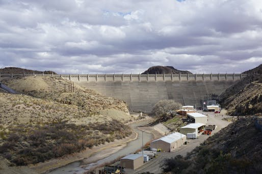 The Elephant Butte Dam, the main infrastructure that holds back the Rio Grande.