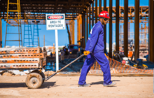 A worker during construction of Rio's Barra Olympic Park in October 2014. (Photo: Rio2016/Alex Ferro)