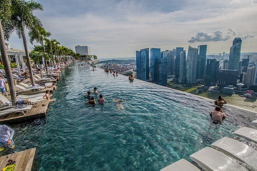 Angled view of the infinity pool at Marina Bay Sands. Photo: Silas Khua/Flickr.