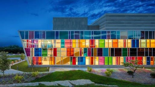 U.S. Department of Veterans Affairs, Omaha VA Ambulatory Care Center, Omaha, Nebraska, by LEO A DALY. Image: A.J. Brown